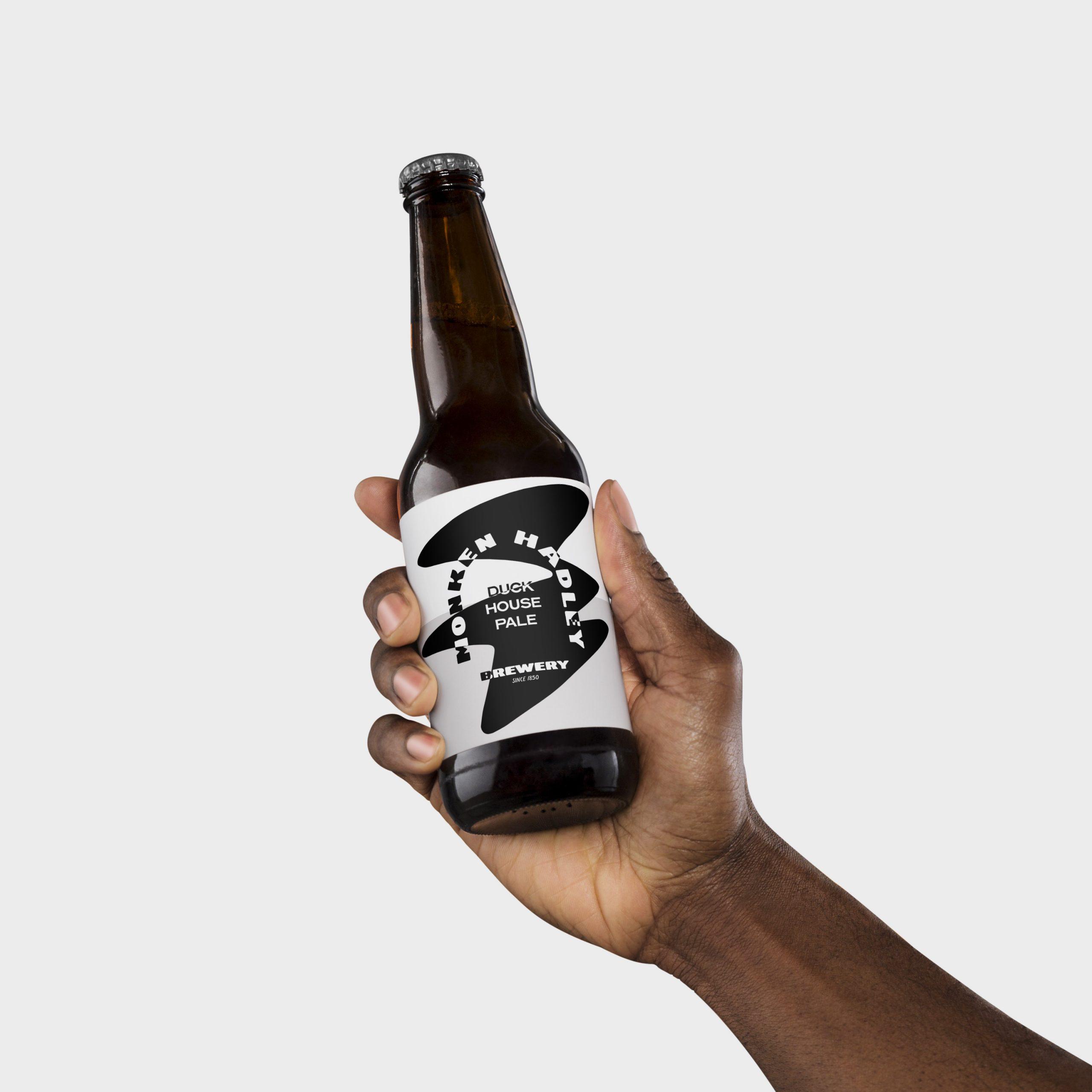 Monken-Hadley-Brewery_Bottle-Mock_01